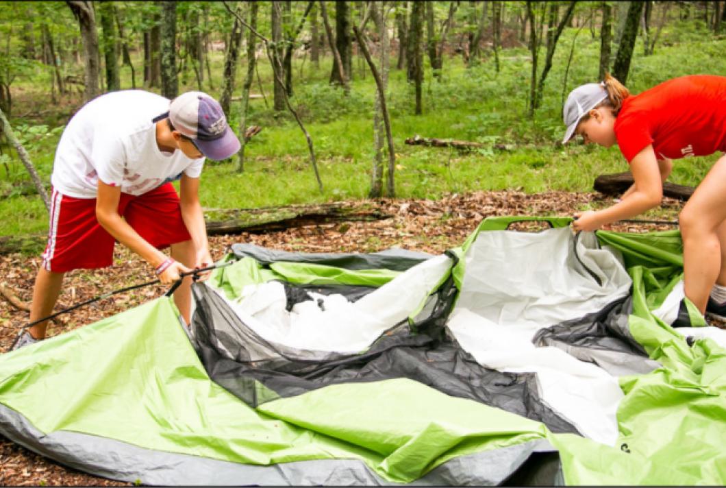 Preparando acampada